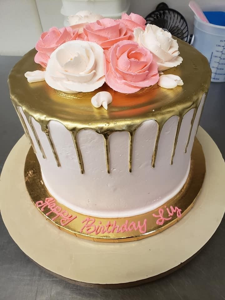 Christine's Cakes & Pastries - Sculpted Cakes